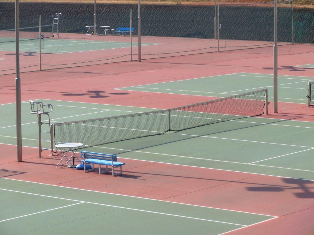 硬式テニスのハードコート